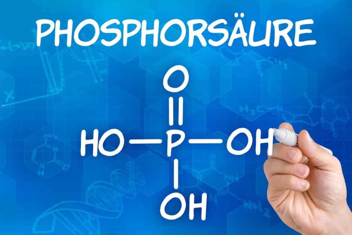 Erfahre mehr über Acidum phosphoricum und die heilende Wirkung bei Krankheiten wie Antriebsschwäche, Frieren und Kummer. Fotolia © Zerbor