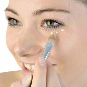 Augenringe? Mit unseren Hausmitteln helfen wir dir dabei gegen Augenringe vorzugehen. © Dan Race