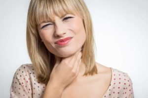 Halsschmerzen mit Hausmitteln behandeln