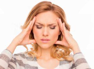Migräne? Unsere bewährten Hausmittel können dir bei einer schnellen und unkomplizierten Behandlung helfen. © deagreez