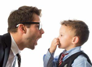 Mundgeruch? Mach dir keine Sorgen. Unsere Hausmittel verschaffen dir einen frischen Atem. © bg-pictures