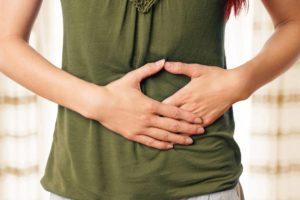 Verdauungsprobleme? Mit unseren Hausmitteln helfen wir dir bei der Behandlung. © underdogstudios