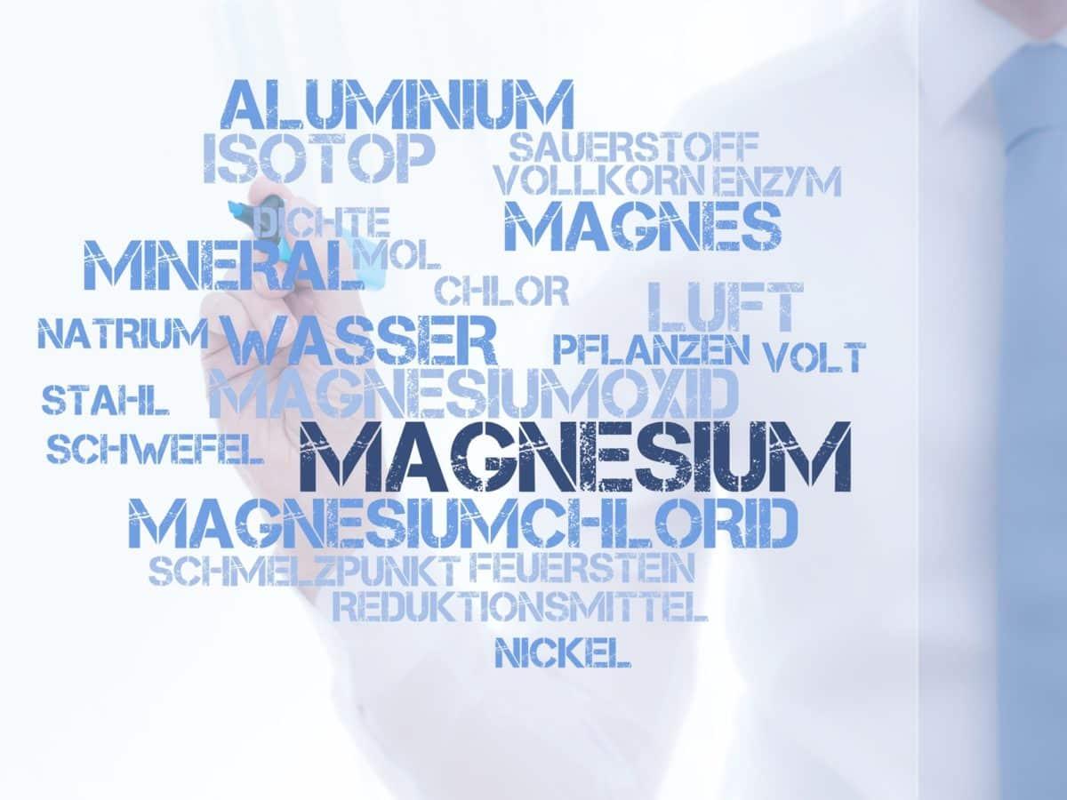 Erfahre mehr über Magnesium chloratum und die heilende Wirkung bei Krankheiten wie Katarrhe, Neuralgien und Verstopfung. Fotolia © CrazyCloud
