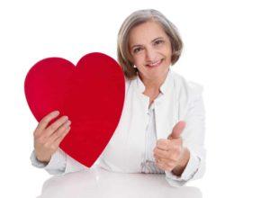 Herzbeschwerden? Wir haben jede Menge Tipps die du unterstützend anwenden kannst. © Jeanette Dietl