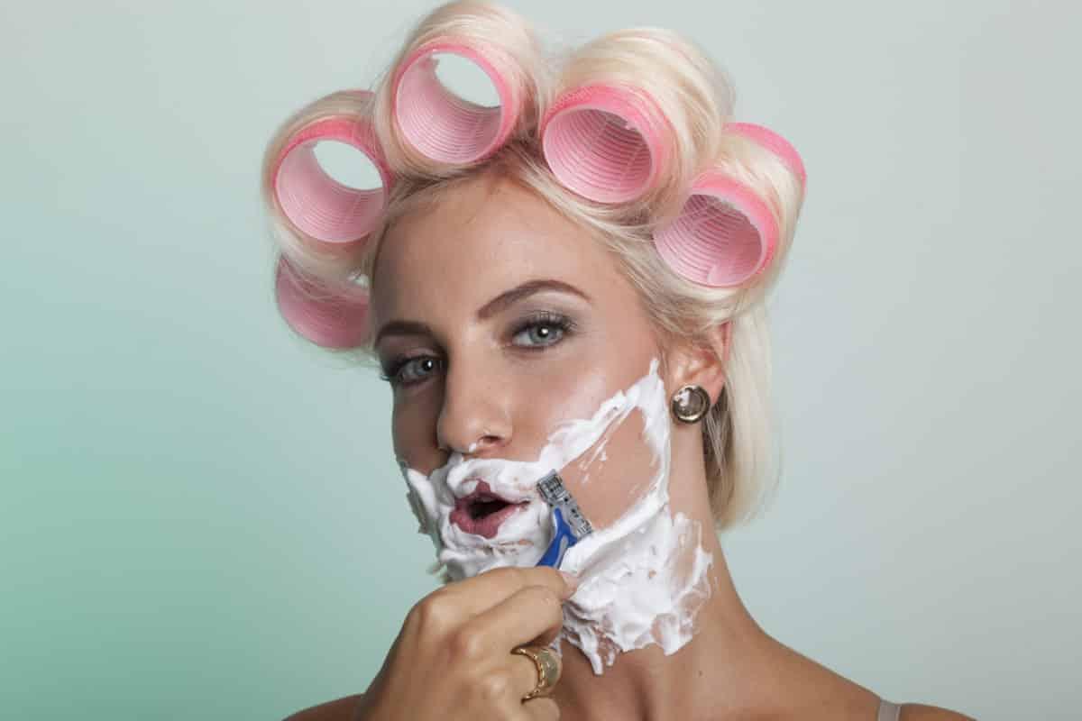 Probleme mit deinem Bartwuchs? Mach dir keine Sorgen! Wir helfen dir beim entfernen deines Bartes. Wir haben dir die besten Tipps zusammengestellt. Fotolia © Herrndorff