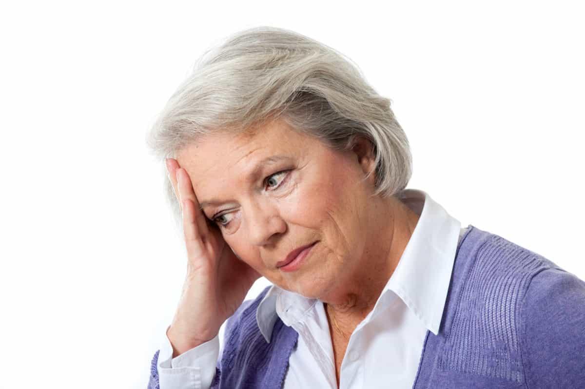 Erfahre mehr über die Behandlung von Alterserscheinungen und welches homöopathische Mittel hilft. © DoraZett – Fotolia