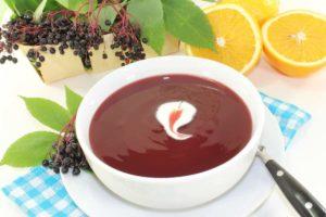 Fliederbeeren Suppe gegen Erkältungen