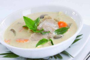 Tom-Kha-Gai-Suppe gegen Erkätungsbeschwerden